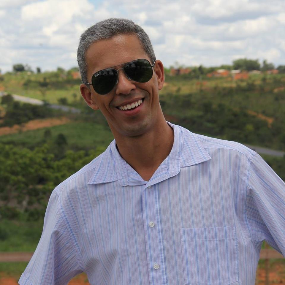 9df738934 Especialista em Políticas Públicas pela Universidade Federal de Minas Gerais  – UFMG – Departamento ...